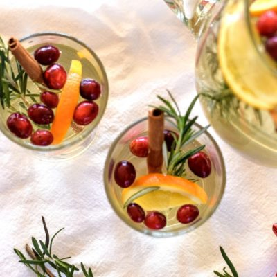 Quick White Cranberry Vodka Punch | perfect and yummy for the holidays | SavorParadise.com